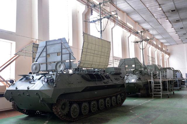 Цех поокончательной сборке комплексов радиоэлектронной борьбы 1Л262Э «Ртуть-БМ» наКазанском оптико-механическом заводе.