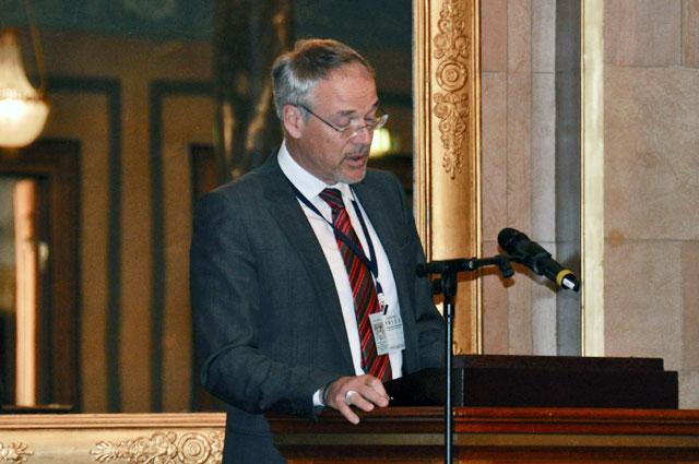 Д-р Райнер Маас, руководитель Великогерцогского семейного архива Дома Гессен.
