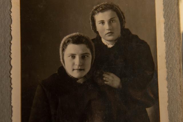 Валентина с сестрой.