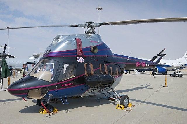 Вертолет Ми-2.
