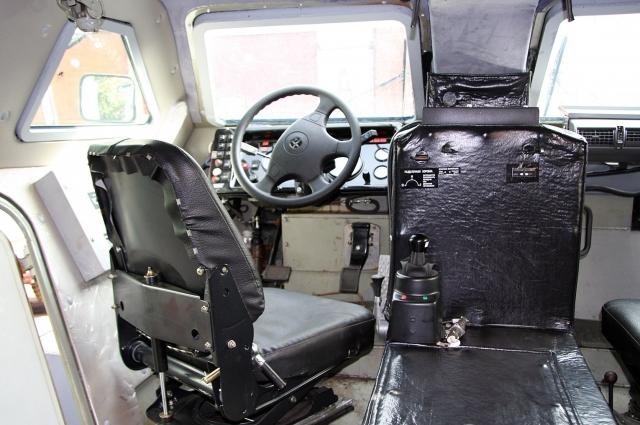 Водительское кресло бронеавтомобиля «Выстрел» К-43269.