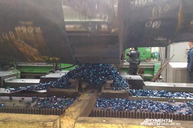 В цехе №15 возобновилось волковое производство.