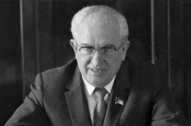 Председатель КГБ СССР Юрий Андропов.