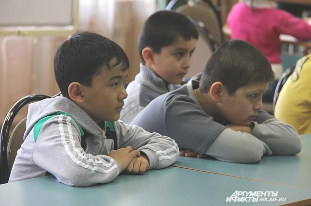 1341 «иностранный» ребёнок учится в школах иркутска.