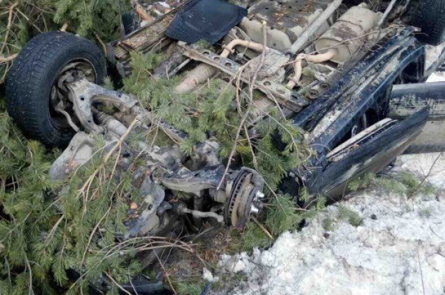 Из-за ДТП автомобиль сильно поврежден.