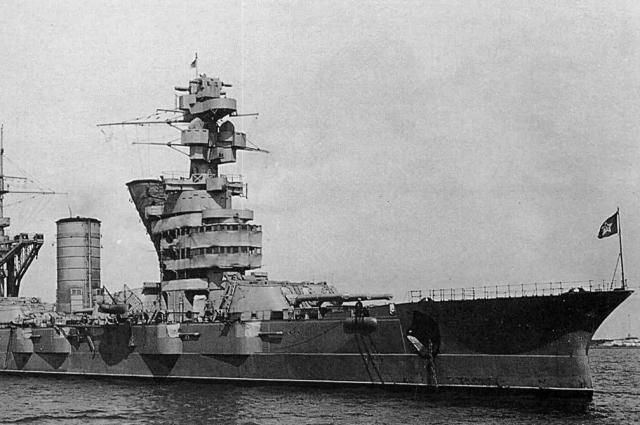 Линкор «Октябрьская революция» был спущен на воду в 1911 году и первоначально назывался «Гангут».