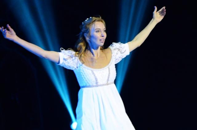 В главной роли спектакля - Татьяна Тотьмянина.