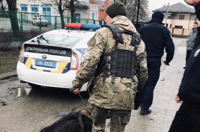 Полиция открыла производство из-за взрыва и выстрелов в Харькове