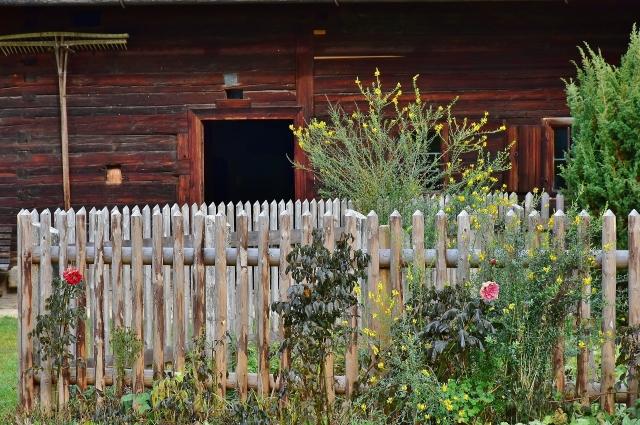 Приобретая загородную недвижимость, нужно быть бдительными.