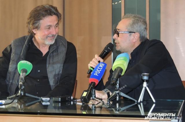 Новый спектакль Фокин представил вместе с Петром Семаком, исполняющим в нем главную роль.