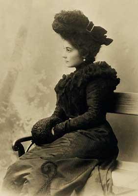 Елена Рерих поразила художника своей красотой и эрудицией.