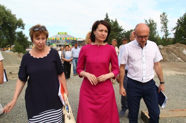 Во время рабочего совещания мэром города был сделан объезд объектов благоустройства.