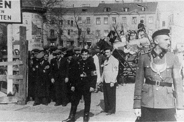 Ворота Лодзинского гетто.