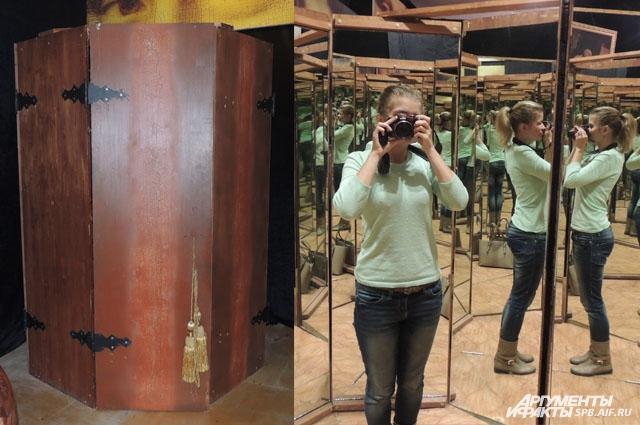 В зеркальной комнате человек смотрел на бесконечное количество своих отражений