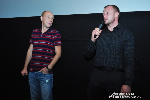Максим Коновалов и Александр Шлеменко пообщались со зрителями после показа фильма.
