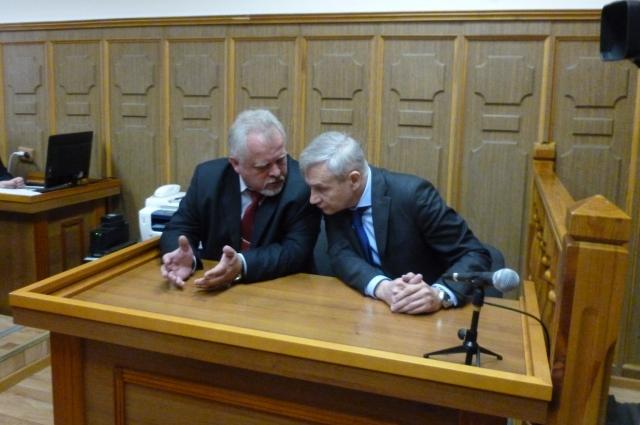 Адвокаты Евгений Еремеев и Андрей Гусёнков настаивали на изменении меры пресечения для Чуркина на залог или домашний арест.