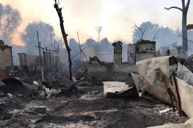 Пепелище в историческом центре Ростова-на-Дону: огонь уничтожил всё, что было.