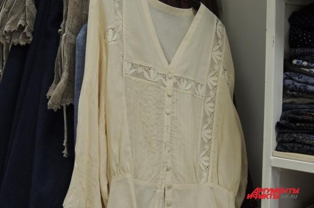 Блузки, юбки, платья из монастырской мастерской пользуются популярностью.
