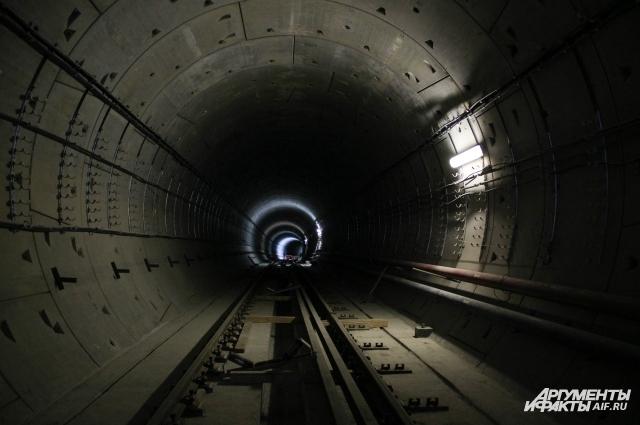 Перегонные тоннели новой станции надёжно защищены от подземных вод современными материалами.