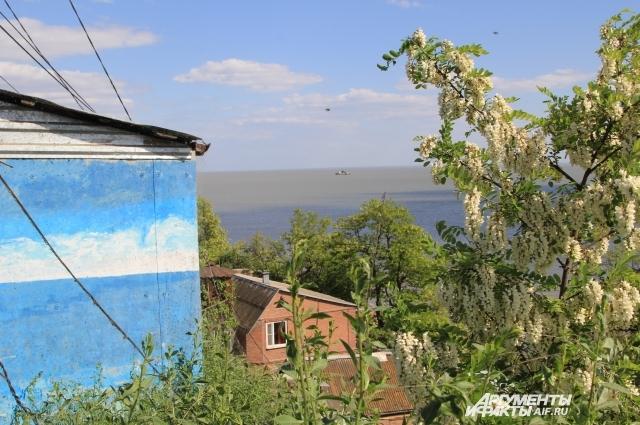 Многие дома в Богудонии брошены, в других продолжают жить люди.