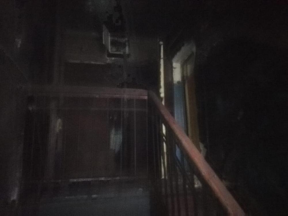 Следователи осмотрели место происшествие на улице Радищева.
