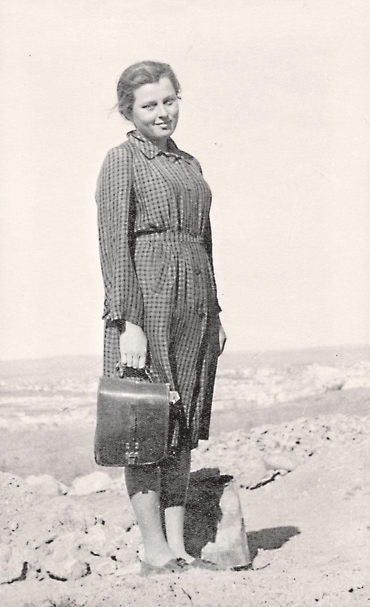 Татьяна Арсеньева на раскопках в Керчи, 1948 г. Фото: Из личного архива Татьяны Арсеньевой