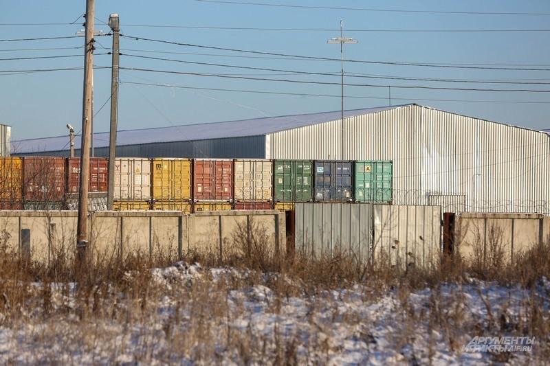 Возможно, в этих контейнерах монациты покинут Зюрзю
