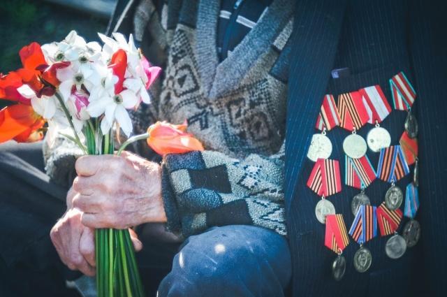 По данным на апрель 2020-го, в Петербурге живут более 92 тысяч ветеранов Великой Отечественной.