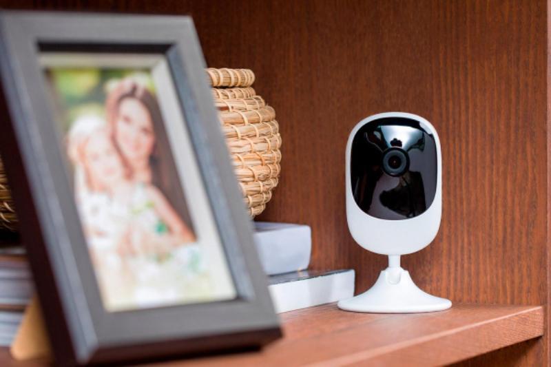 Видеонаблюдение позволит контролировать ситуацию в доме, где бы вы ни находились.