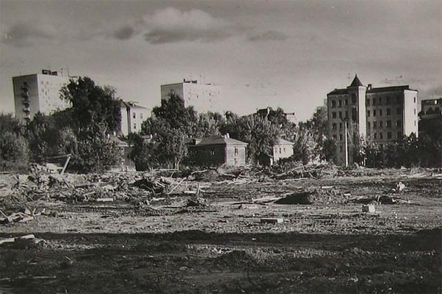 Cлом домов к Олимпиаде Тополев переулок. Снимок сделан между 1976 1978 годами