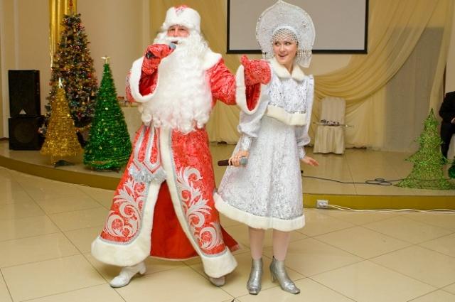 Дед Мороз и Снегурочка желанные гости любого новогоднего корпоратива