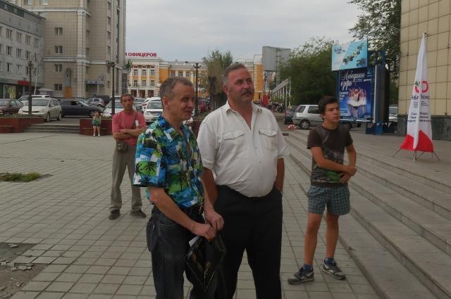 Жители Атамановки тоже приняли участие в митинге.