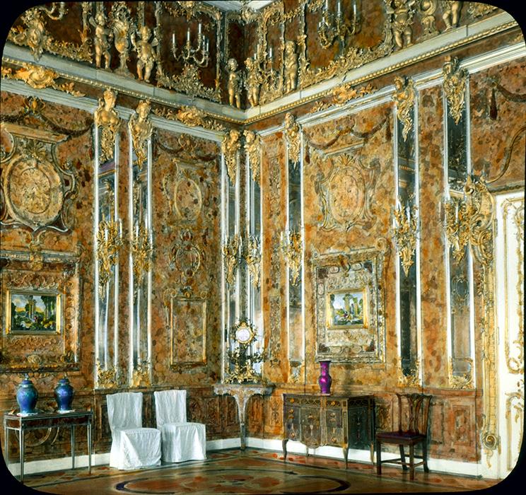 Подлинная Янтарная комната на фотографии 1931 года.