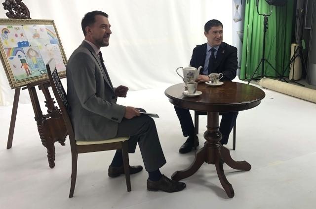 Дмитрий Махонин откровенно отвечал на вопросы зрителей.