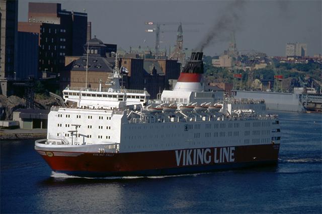 Паром «Эстония» в то время, когда он носил название «Viking Sally».