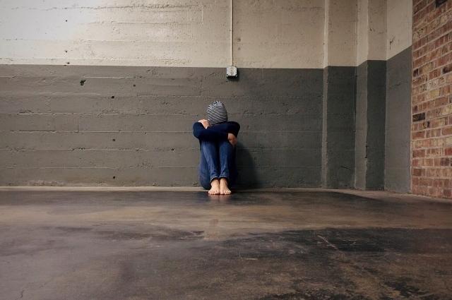 В период депрессии человеку комфортнее быть в одиночестве.