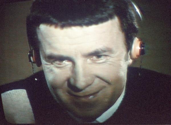 Анатолий Кашпировский, врач-психотерапевт. В 1989 году провёл несколько сеансов гипноза на советском телевидении. 1989 год