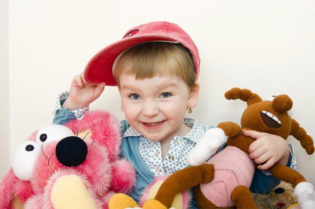 Порой в детских садах не хватает даже игрушек.