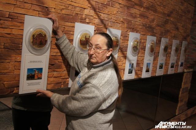Елена Торопова в музее марципанов.
