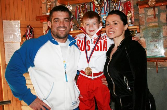 Вся семья Евтуховых - фанаты спорта.