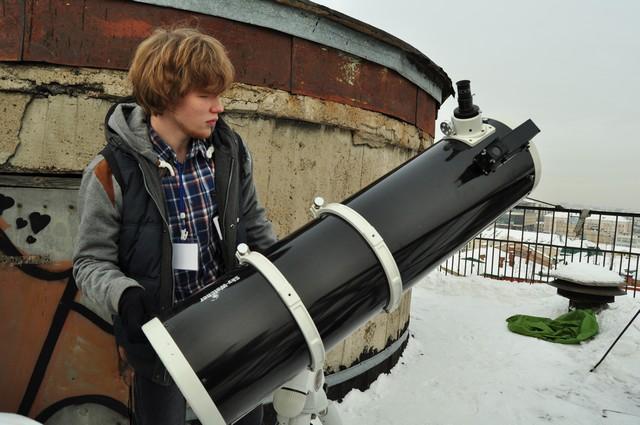 Для школьников в планетарии проводятся бесплатные образовательные программы.