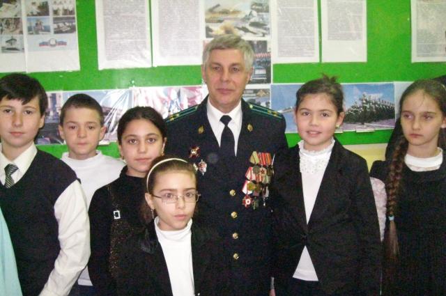 Виктор Мушиманский с детьми