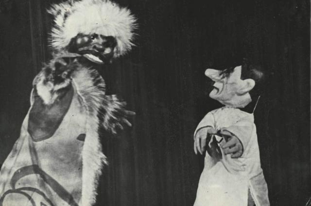 В спектаклях Театра кукол Гитлер был неизменно осмеян.