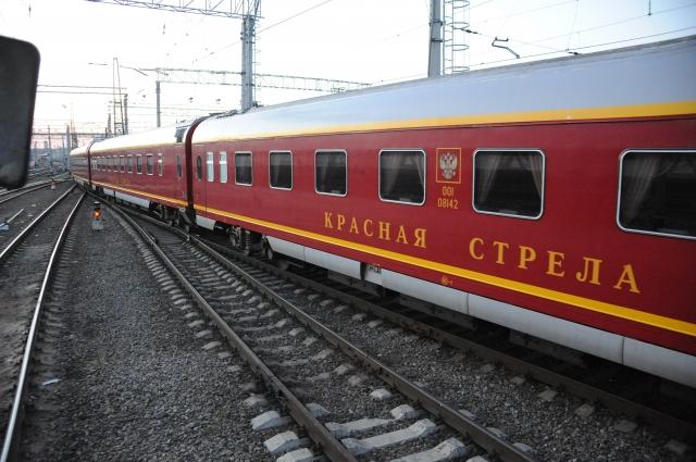 Сегодня в состав поезда № 1 входят семнадцать вагонов: шесть купейных, девять СВ, люкс и вагон-ресторан.