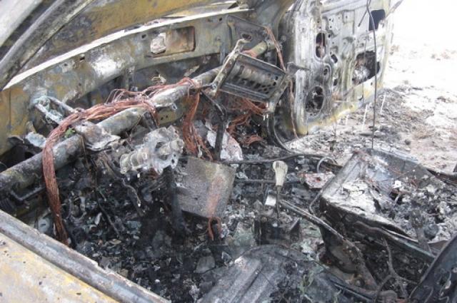 Автомобиль сгорел полностью