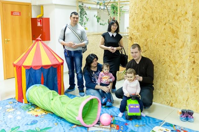 Для маленьких посетителей оборудована специальная детская площадка