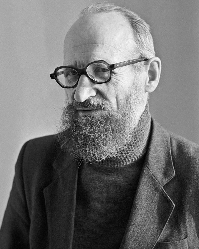Ученый, историк-международник, основатель российской скандинавистики, писатель, автор многих книг по кулинарии, истории и геральдике Вильям Васильевич Похлебкин (1923-2000).