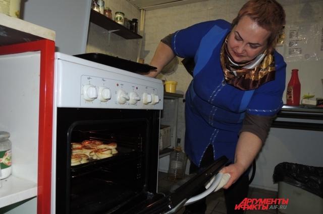 Ольга печёт булочки