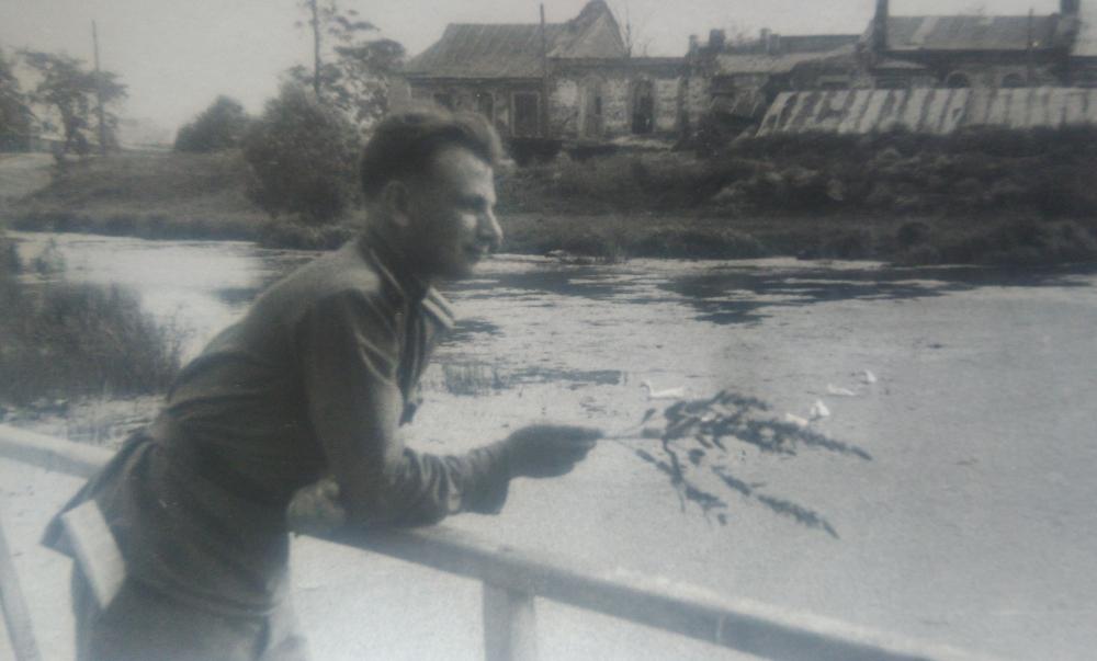 После службы на границе Фёдор Воронин поехал учиться в Калининград в Багратионовское училище на командира взвода.