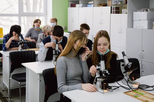 Профильный класс – это одновременно и обучение, и предпрофессиональная ориентация.